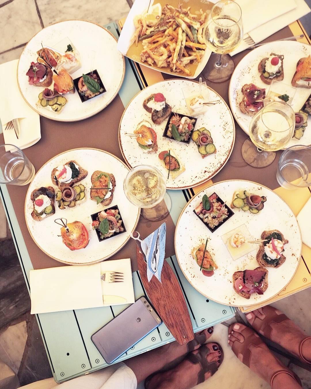 Oh these italian aperitivi I do miss in Monaco allhellip